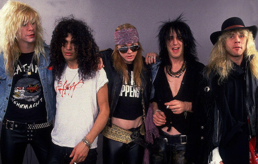"Steven Adler reveals ""the one guy"" who can make a 'classic' Guns N' Roses reunion happen https://t.co/BdPUhyC6kX https://t.co/nk0IYZsacK"