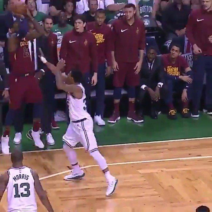 LeBron's out here playing H-O-R-S-E ��  #NBAPlayoffs https://t.co/yWnbkprJgu