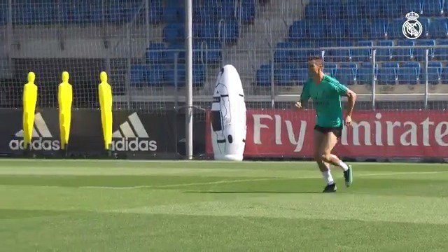 ��⚽ Good news today during our first training session of the week at #RMCity! �� @Cristiano  �� @DaniCarvajal92 https://t.co/K28u1QNzWr