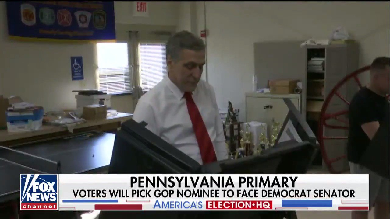 A look at the Pennsylvania primaries before the polls close tonight. @EricShawnTV reports. #SpecialReport https://t.co/MLKDofTyLw