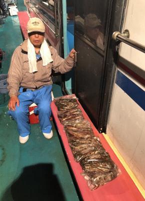 和歌山県中部 せいゆう丸(昨晩の釣果)  奈良の川本様 106杯! イカ釣りに出船!  https://t.co/4h0JC65u2P https://t.co/9bfXetXcxM