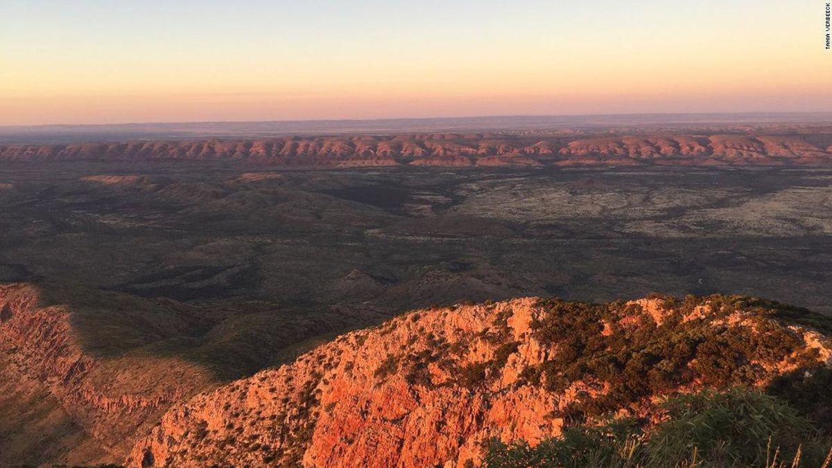 The extreme Australian outback trek that's changing lives https://t.co/o7RREhgetN via @CNNTravel https://t.co/jbn5IraSsW