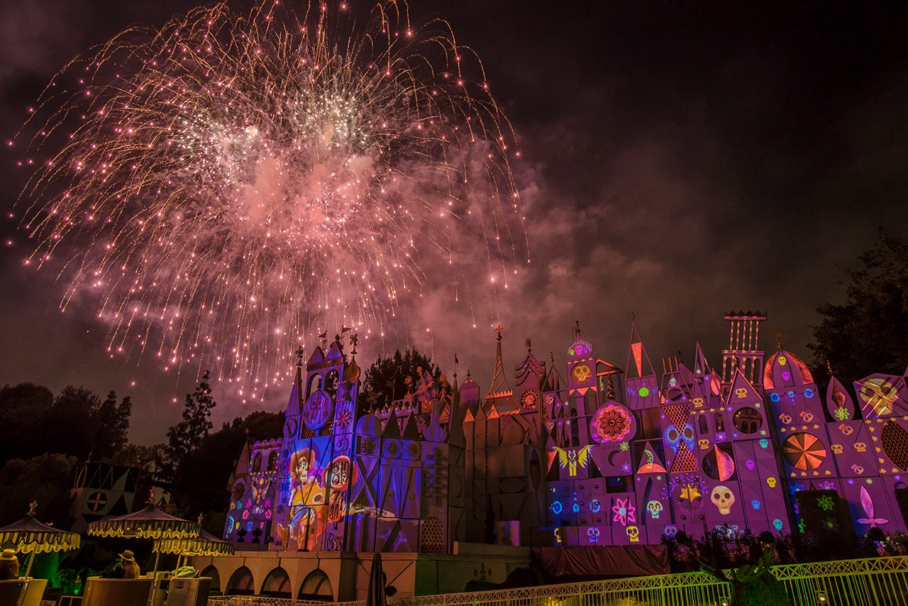 What city are you tuning in from tonight? https://t.co/VnkmzuqKQB #DisneyParksLIVE #PixarFest https://t.co/HtPktUKxr9