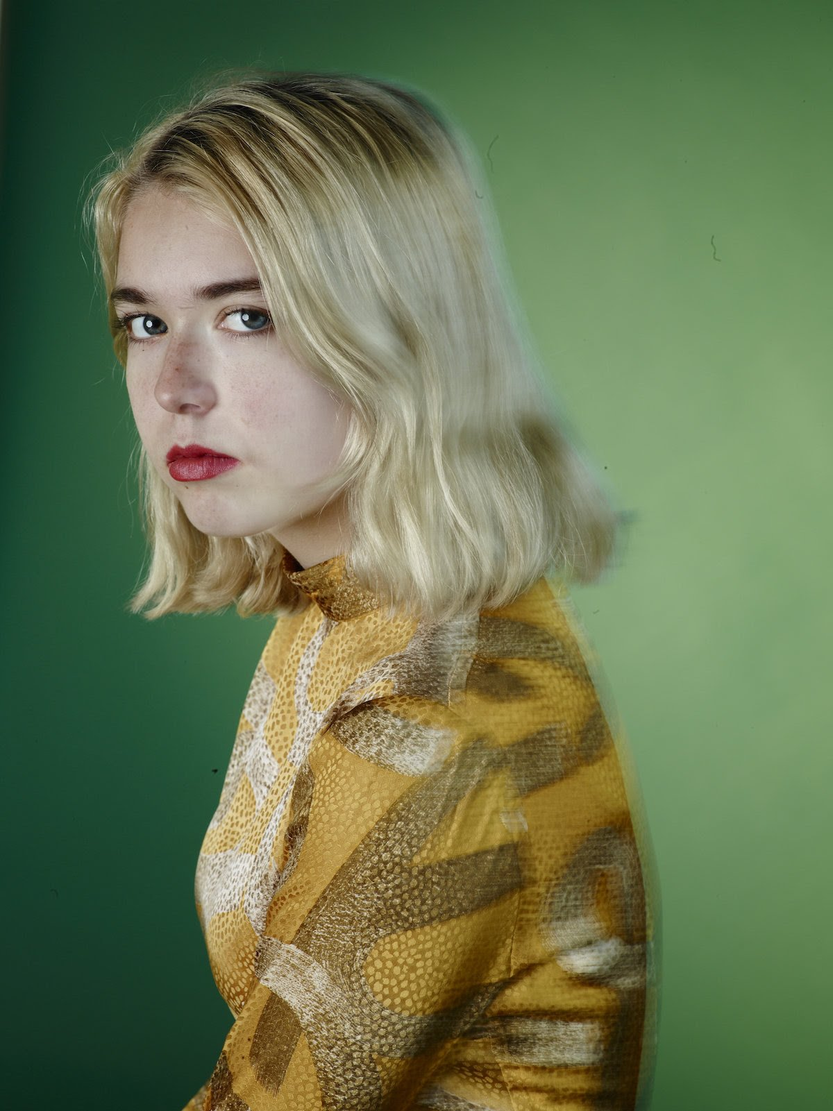 """.@Snailmailband shares new song """"Let's Find An Out."""" https://t.co/tk9O8ER6K7 https://t.co/762GYARqqq"""