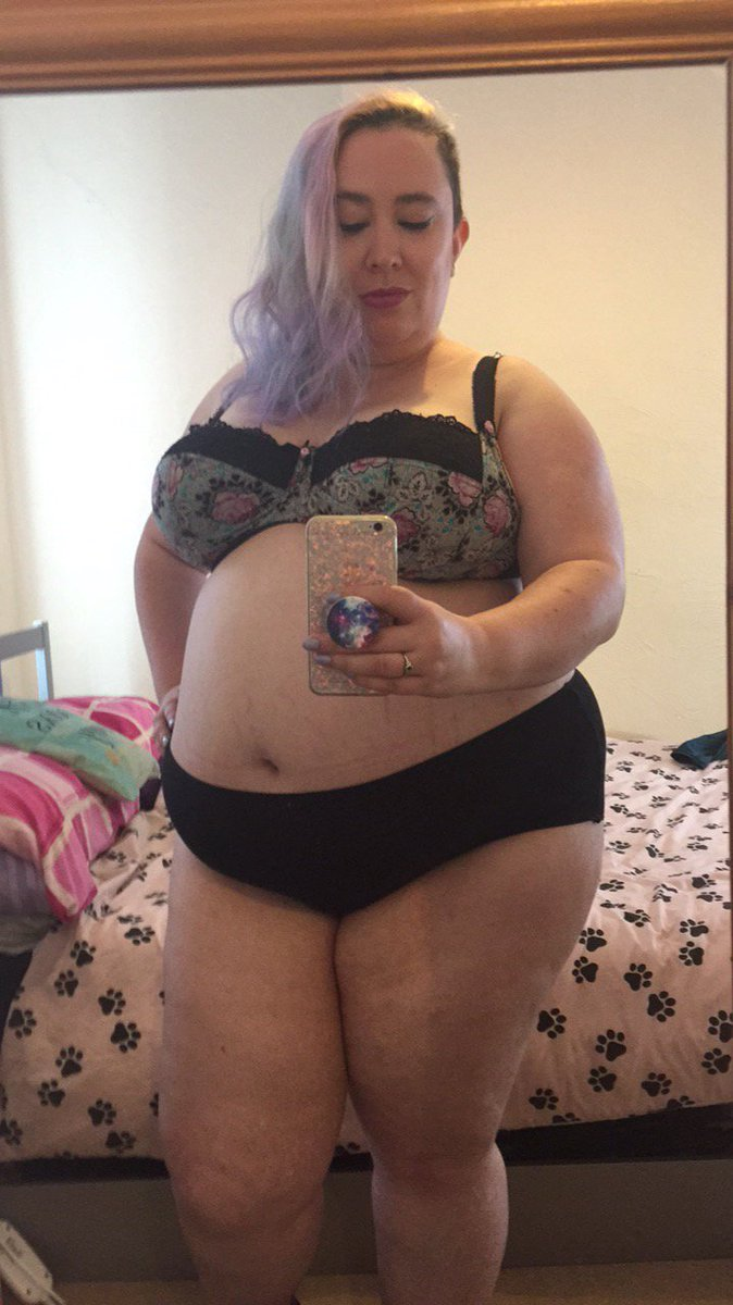 1 pic. Really feeling my gorgeous, soft belly today! vQPbXOgz6s