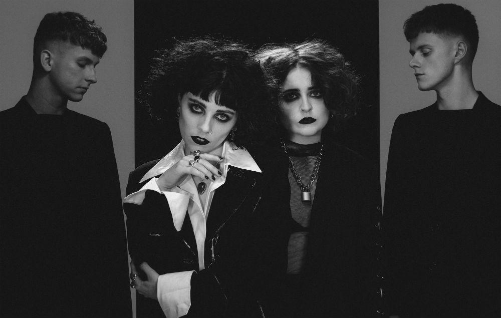 Pale Waves share new single 'Kiss' https://t.co/RX9wX197t0 https://t.co/ZSpEoHJQhj