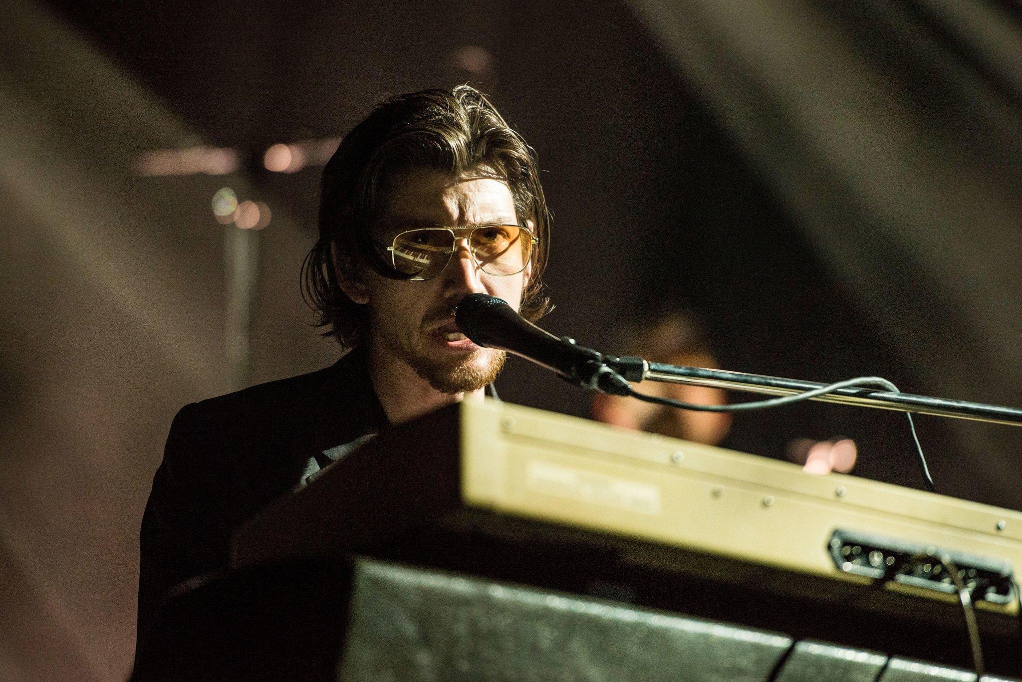 Arctic Monkeys announce surprise London Royal Albert Hall charity show https://t.co/1LzmYxCCmb https://t.co/Tbj6kQBcPJ