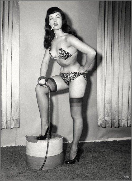 Who's up next? 💥🖤 #BettiePage #domme #pinup #whip #fetish #spanking pXeBvhT7Ql