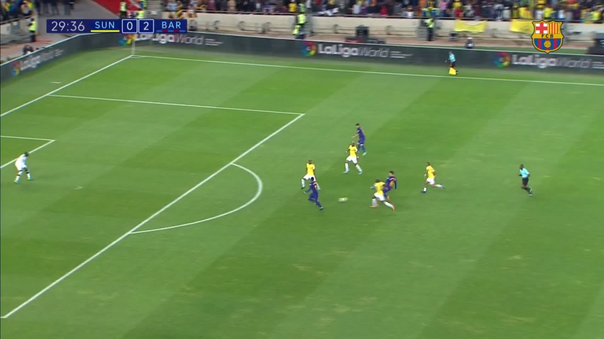 29: Chance for @Dembouz and it's cleared off the line!  #SundownsBarça (0-2) https://t.co/W4P44pVQHe