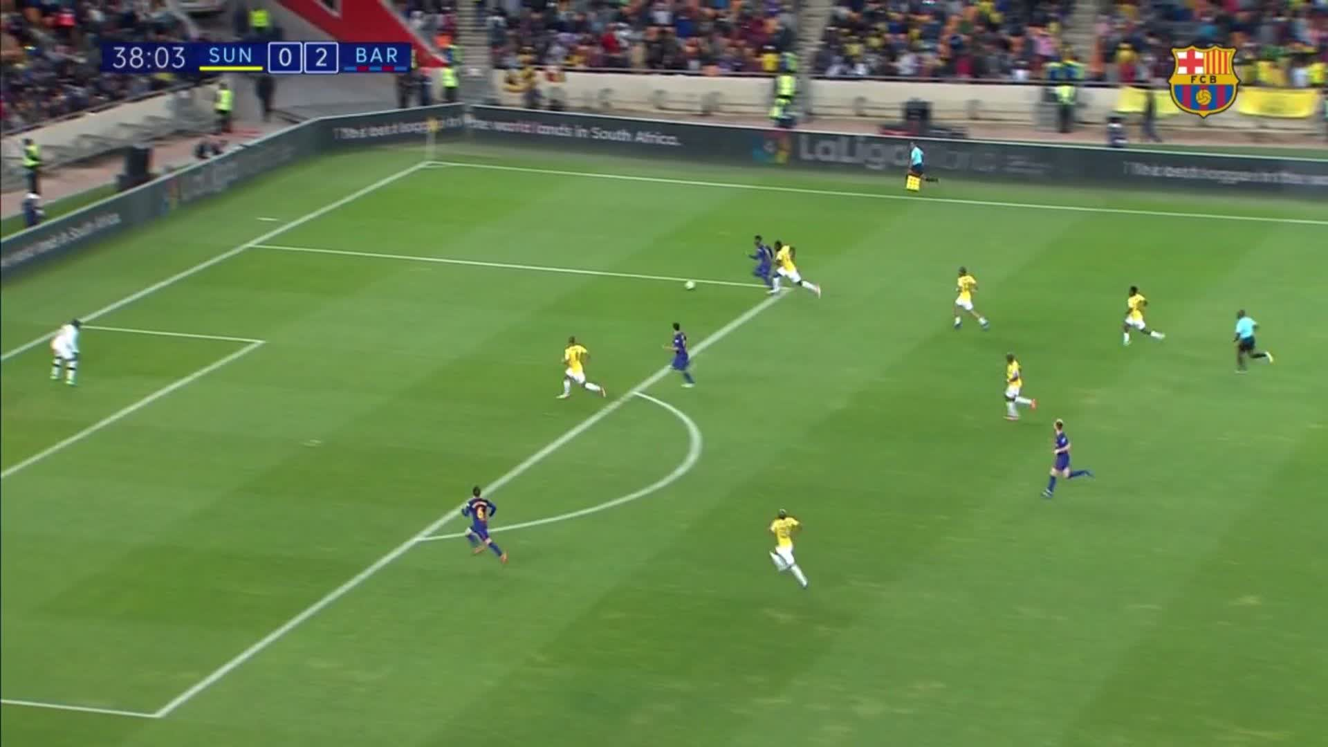 38: Against the post! @DenisSuarez6 almost adds another! #SundownsBarça (0-2) https://t.co/C9eDgN4axE