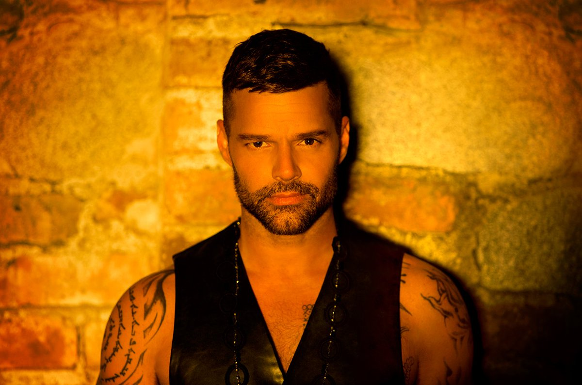 RT @billboard: .@ricky_martin scores his 17th No. 1 on the Latin Airplay chart with