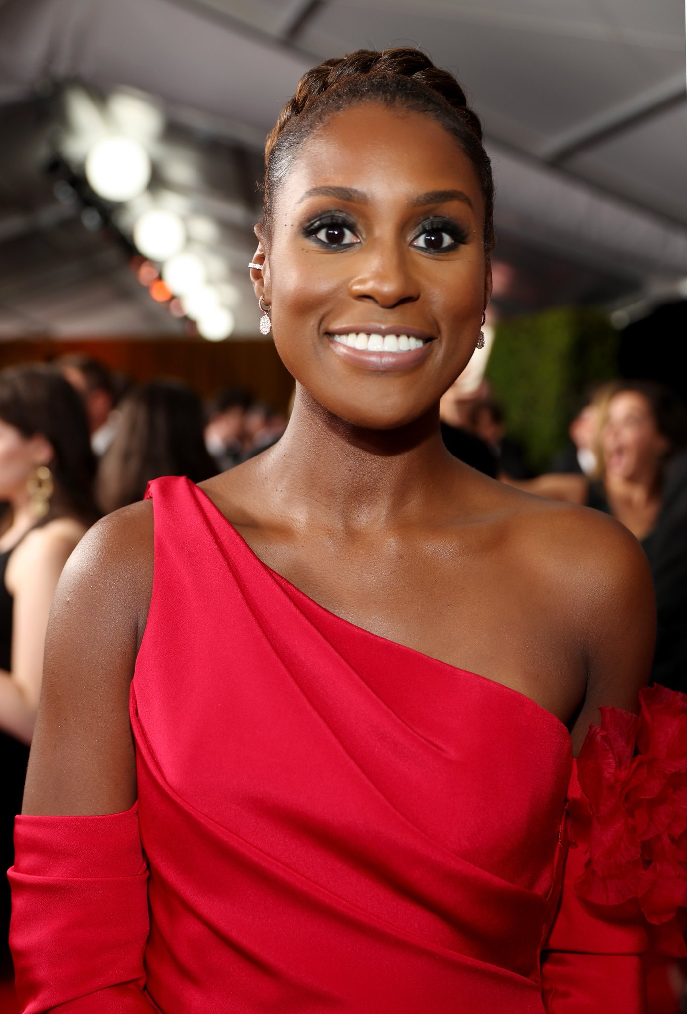 .@IssaRae is holding a contest to find new music for Insecure. https://t.co/67ZzX9ROpE https://t.co/q2GnAURQVh