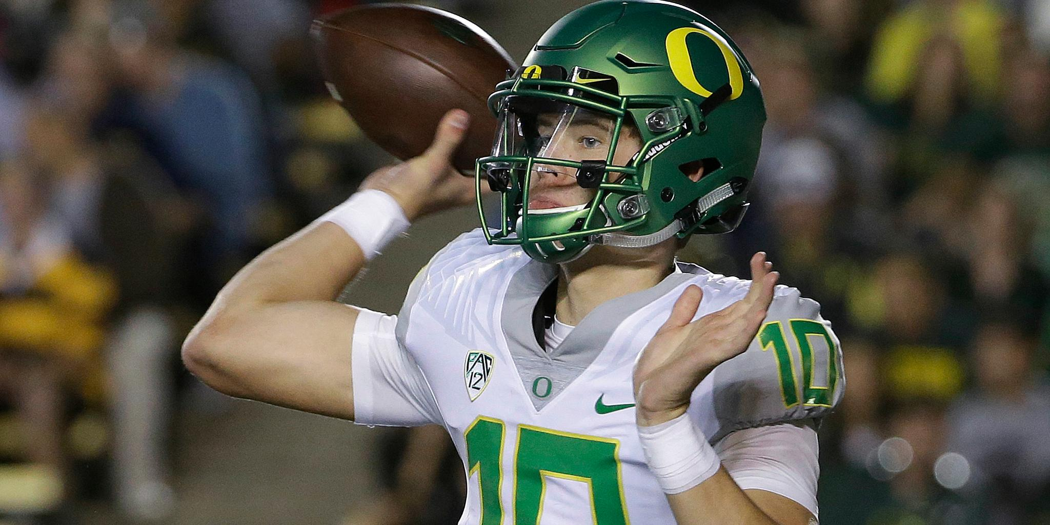 Who's next?  10 QB prospects to watch for the 2019 @NFLDraft: https://t.co/4dvw5wDRl9 (via @BuckyBrooks) https://t.co/fUECU9k8wm