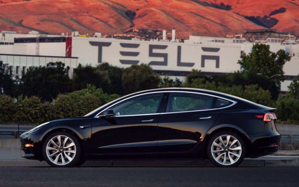Tesla Model 3 receives a 'superior' safety rating for front crash avoidance https://t.co/3HzPIbKihi https://t.co/yy9KCEe15y