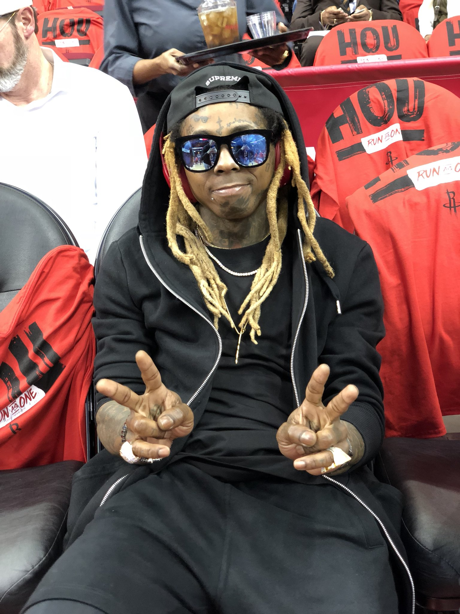 Game 2 vibes. #NBACelebRow @LilTunechi https://t.co/KnfPrw0yoS