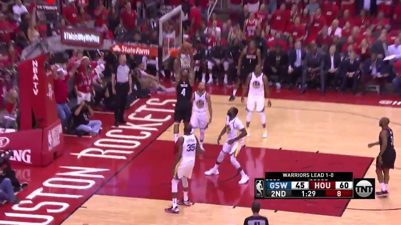 CP3 sets up the cutting PJ Tucker! ��  13 for PJ Tucker in the 2nd on @NBAonTNT   #Rockets https://t.co/O9rnn0l16o