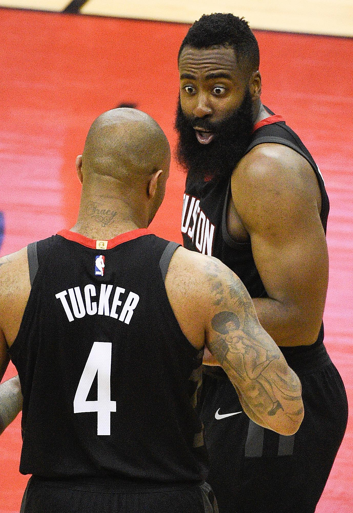When you look at the box score and see PJ Tucker has as many points as Steph and Klay combined https://t.co/8tfs5DZpXY