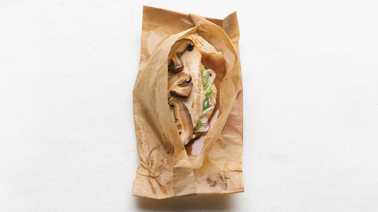Ginger-Scallion Chicken Breasts Baked in Parchment https://t.co/cfbjd5PVgu https://t.co/qHyt2QeVVh