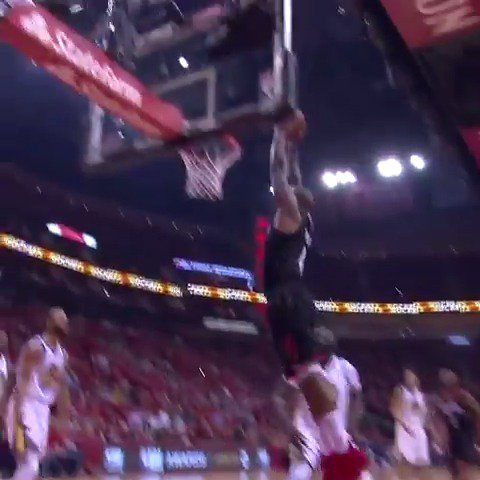 CP3 dances into the lane and dumps it off for the PJ Tucker slam in the #KiaTopPlay! #Rockets https://t.co/Mo3YastPlV