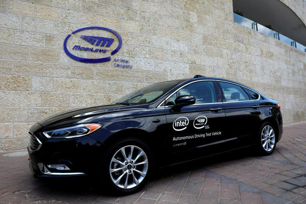 Exclusive: Intel's Mobileye gets self-driving tech deal for 8 million cars https://t.co/WvCnXyETvZ https://t.co/HLbfDd7ocQ