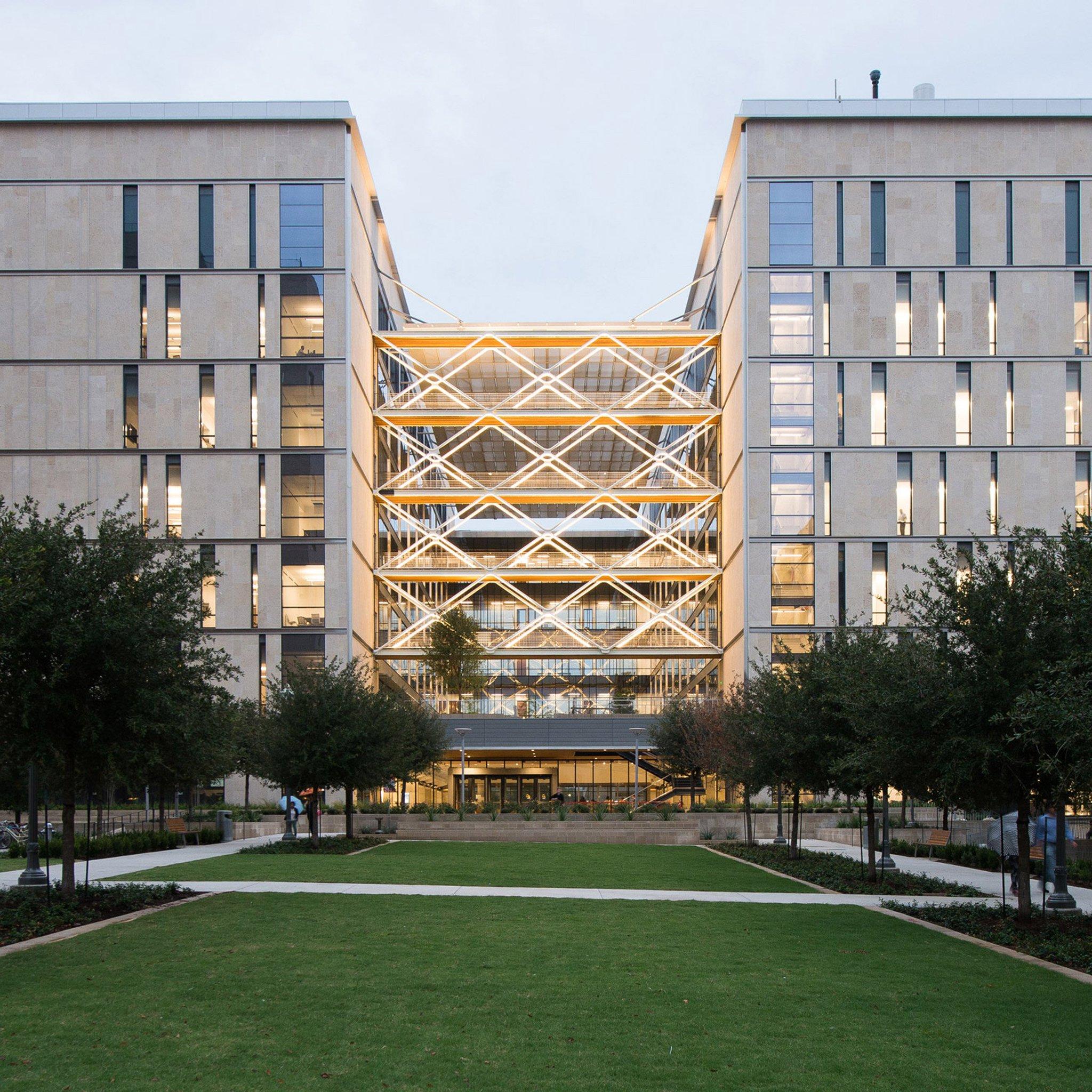 Giant metal lattice fronts atrium of Texas engineering school by Ennead https://t.co/xq7GFnpyjC https://t.co/QfCWYXLjuV