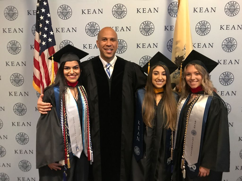 Honored to speak to @KeanUniversity graduates today. Congratulations to #Kean2018! https://t.co/HByPf5coi0