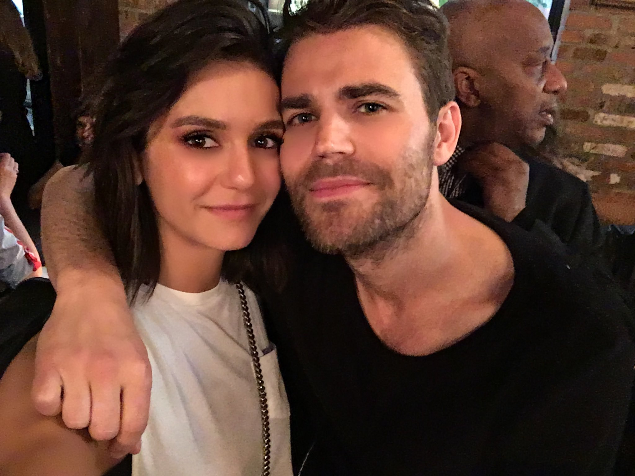 Ran into this guy who looks exactly like my old costar @paulwesley ! Wait... https://t.co/Q4DjwJ1LlG