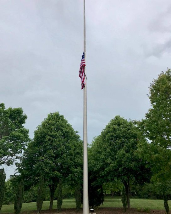 60' #InternalWinch Aluminum #Flagpole #NationalCemeteries @Culpepper,VA Ray Deline USA Gratitude https://t.co/9vqD8uHjPr https://t.co/YZTrLxLkkS
