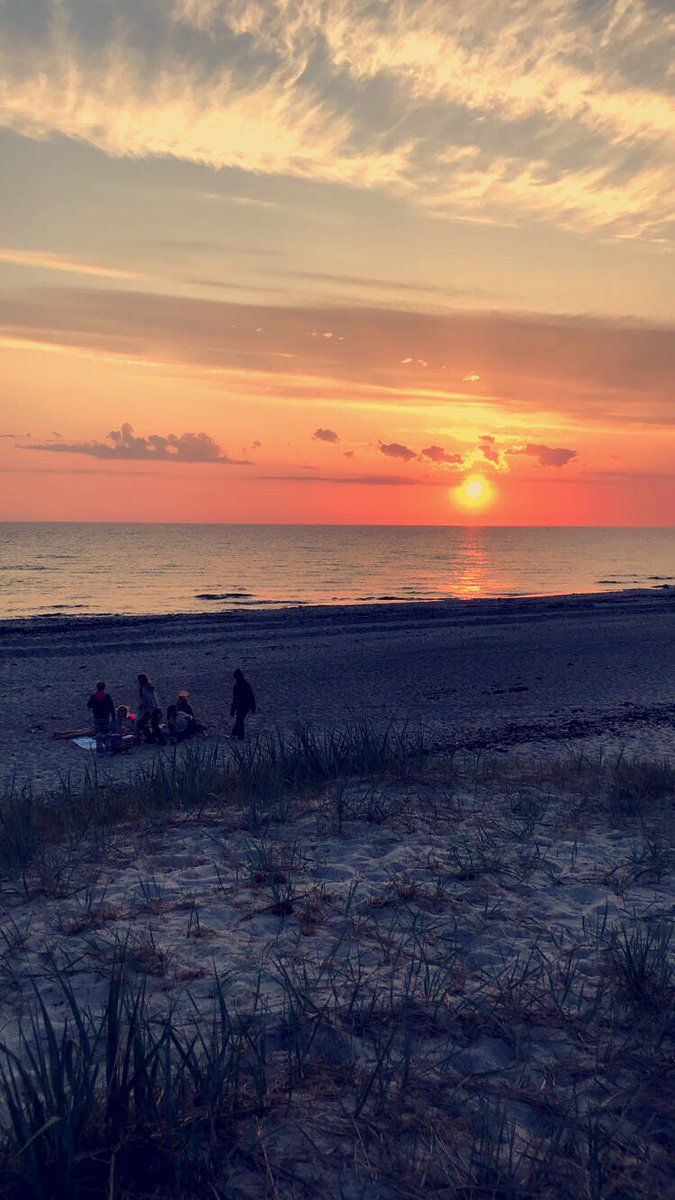 test Twitter Media - #outofoffice enjoying the beautiful Swedish sunset with the @Thule gang #Thule #sweden #sunset #beach https://t.co/3OwiG4d5Ek