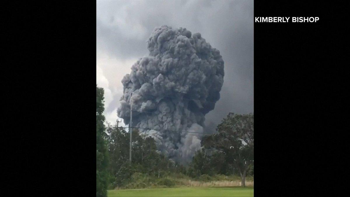 Hawaiis Kilauea Volcano Spewed Ash Nearly 9 Kilometres Into The Air Thursday And Authorities Say