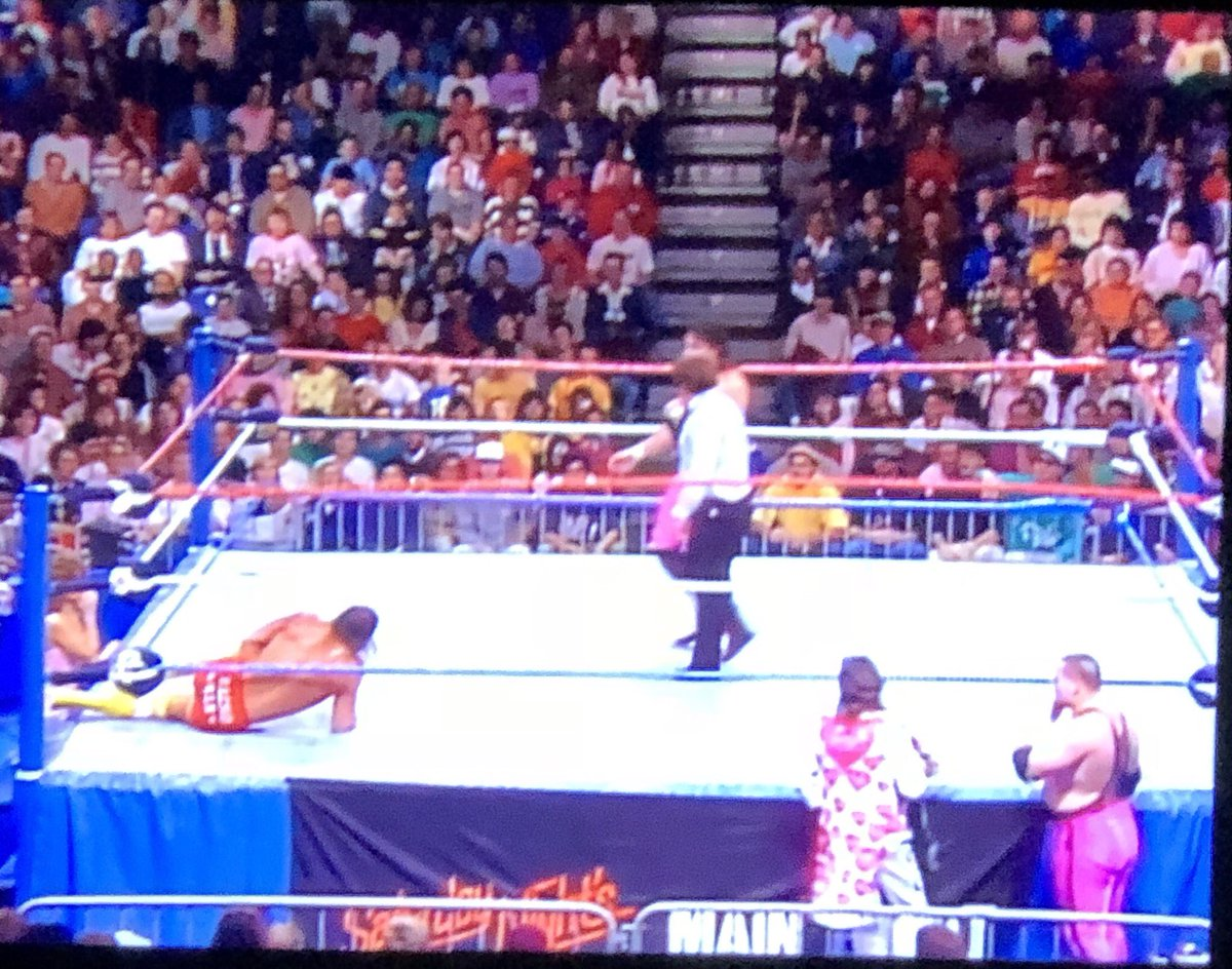 Watching an old school match #wwe #JimmyHart #JimTheAnvilNeidhart #MachoMan #MissElizabeth
