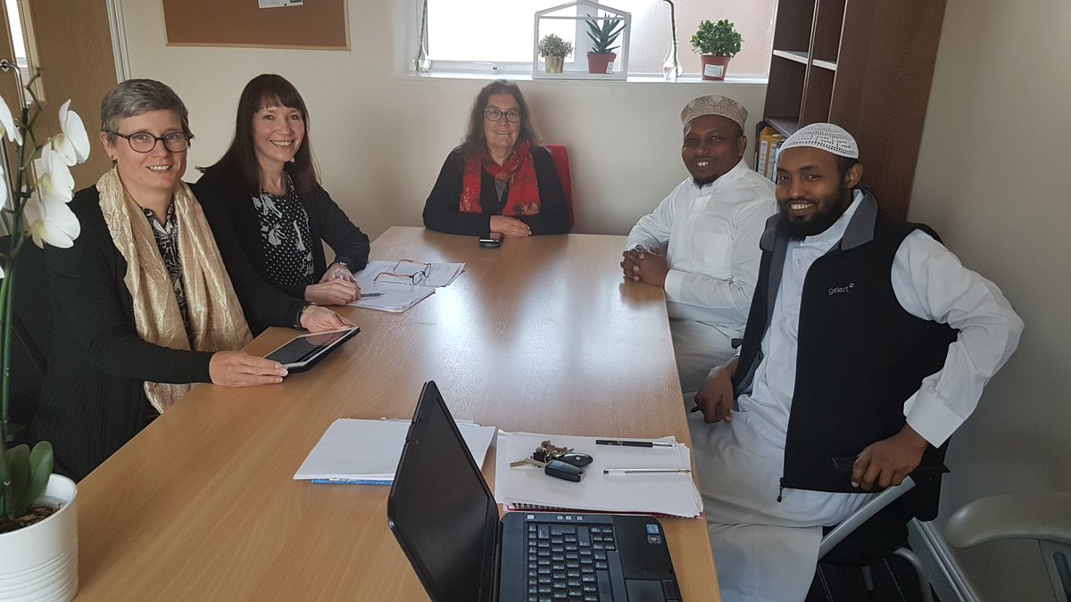 test Twitter Media - Thanks to the @ChtyCommission for supporting Greater Manchester community to register their faith groups as charities. @furqaanmosque is grateful to Lin, Colette, Chris and Emma. Present:  Abdillahi, Hassan, Lin, Chris and Colette. https://t.co/uUAQ6PyARB