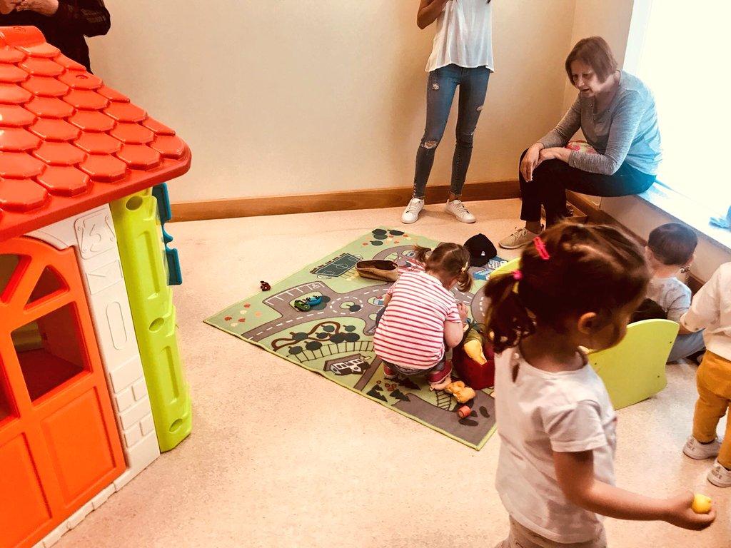 provar Twitter Mitjans - 🏠👫 Casa Grande es un proyecto para familias con hijos/as de 0-4 años para que a través del juego y la relación, favorezca la crianza y las interrelaciones convivenciales en los barrios. https://t.co/fNo7XLumOl
