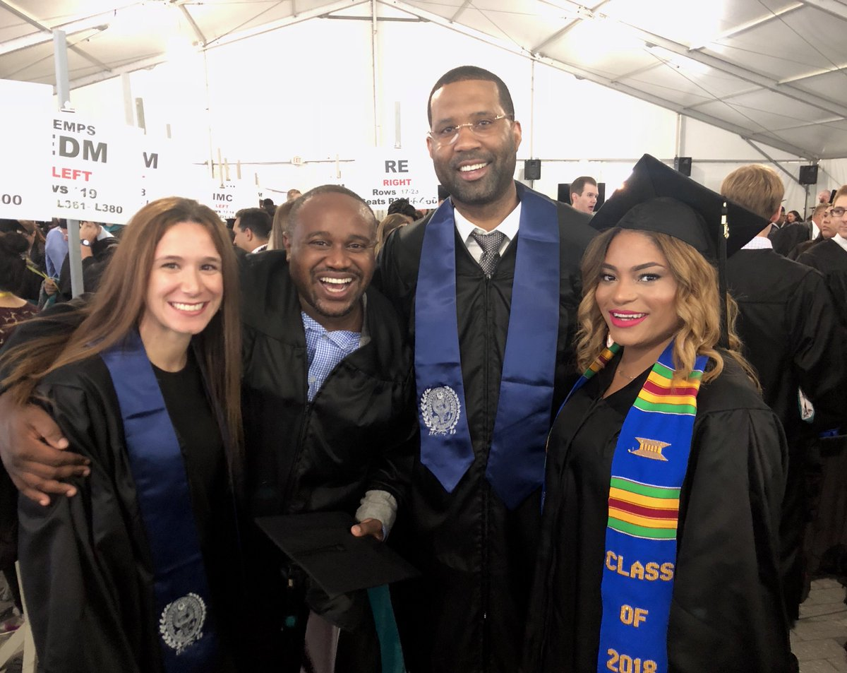 RT @GeorgetownSCS: That feeling when you've #mastered #RealEstate 🎉🎓 // #capstonecrew #hoyas2018 #georgetownRE https://t.co/x93HNKqGIY