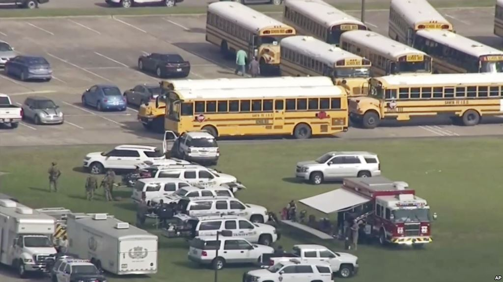 test Twitter Media - Texas: De 8 a 10 muertos por tiroteo en escuela secundaria https://t.co/G5kyqXOIdh https://t.co/K1wv7Y8E1K