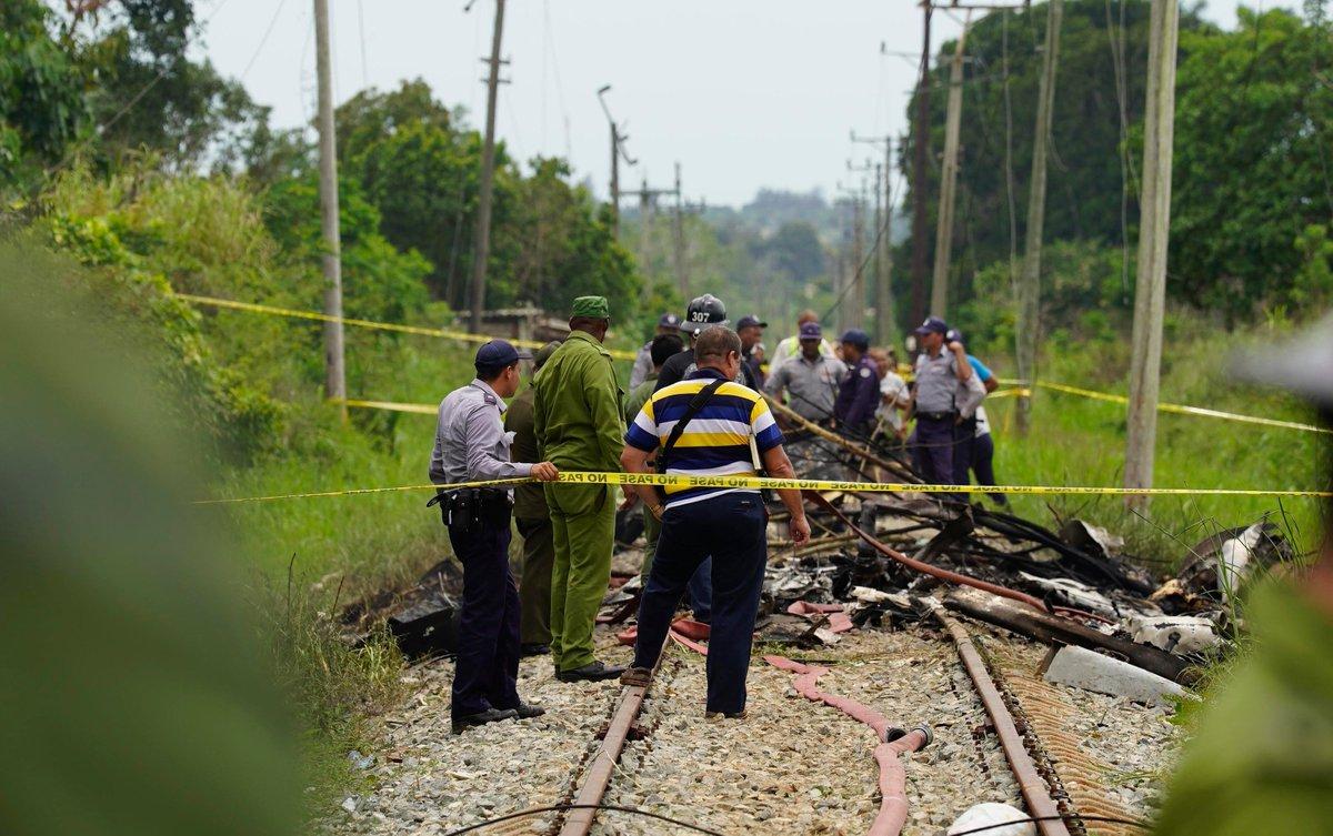 @BroadcastImagem: Boeing 737 com 113 pessoas a bordo cai após decolar do aeroporto de Havana. Ramon Espinosa/AP