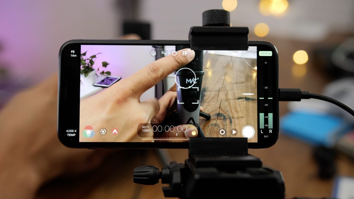Friday 5: Filmic Pro – a must-have app for iPhone videographers[Video] https://t.co/QxR42bTtqr by @JeffBenjam https://t.co/wB9xBDBma6
