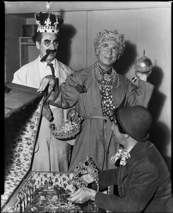 The #MarxBrothers when the royal wedding begins. https://t.co/4RE5yR3Pj1