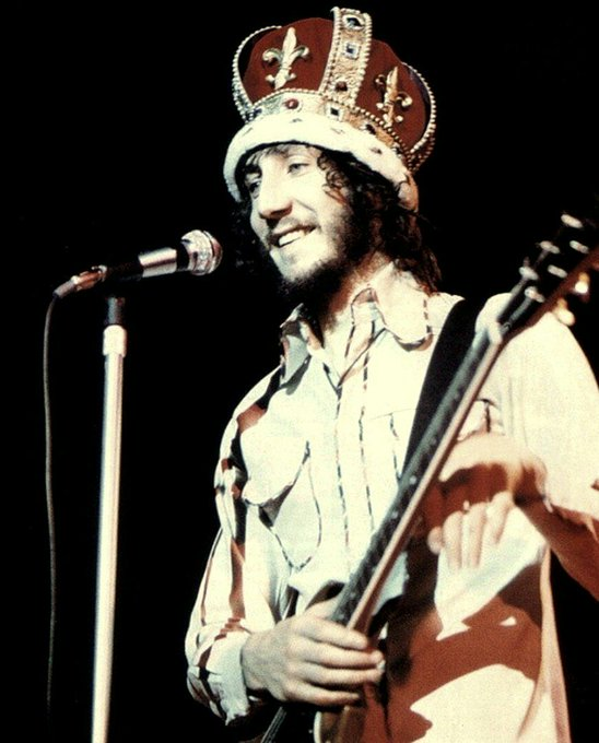 Big day for royalty....rock royalty, of course!  Happy birthday to Pete Townshend. 73 today.