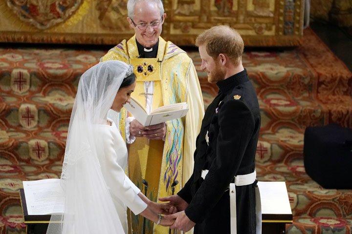 @BroadcastImagem: Príncipe Harry e Meghan Markle se casam em Windsor. Owen Humphreys/Pool/AP