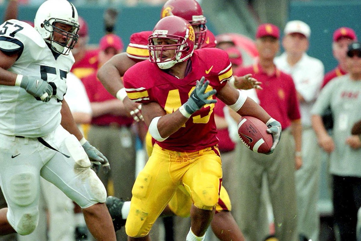 Big congrats to the legend @tpolamalu on being inducted into the USC Hall of Fame!! 🙏🏾🙏🏾 https://t.co/DdMRrX3XGY