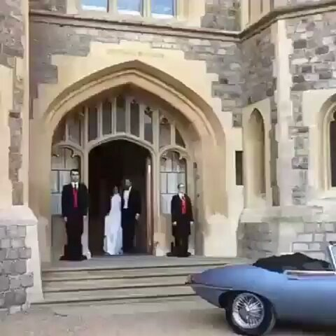 test Twitter Media - Wow awesome. #royalwedding #dukeandduchessofsussex https://t.co/rNuNeFFkEl https://t.co/9SIuvwx5t7