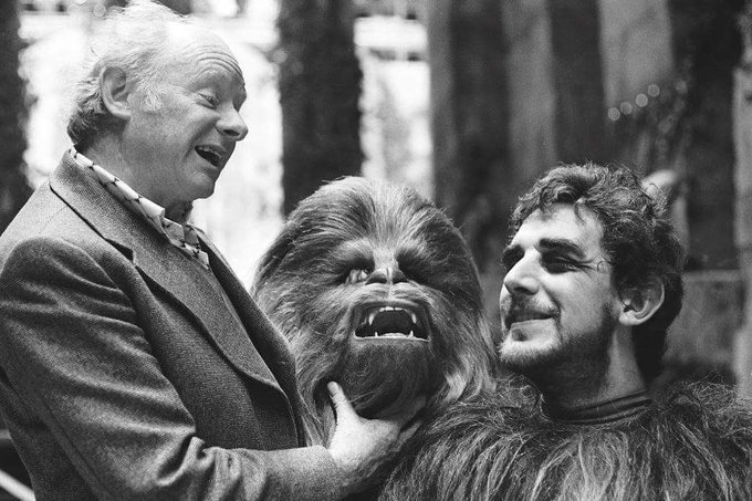 Happy birthday   Peter Mayhew!!!!!!