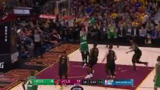 LeBron James gets up to protect the rim!  20-7 @cavs burst in Q1 on @ESPNNBA   #WhateverItTakes 27 | #CUsRise 11 https://t.co/BOJMNUXLUh