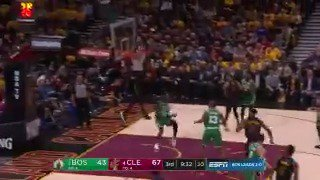 Kevin Love goes upstairs to LeBron James on the oop!  #WhateverItTakes 71 | #CUsRise 48  ��: @ESPNNBA https://t.co/2TaLK9V96L