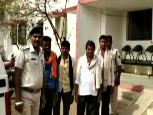 Man beaten to death in Madhya Pradesh by mob that suspected cow slaughter  Read here: https://t.co/KERTya75Qm https://t.co/8HsQkZd8vJ