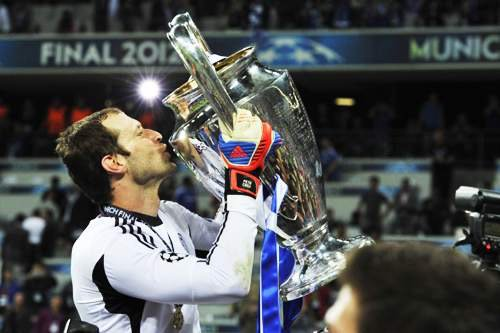 Happy Birthday to Petr Cech, who turns 36 today!   One who will be remembered.