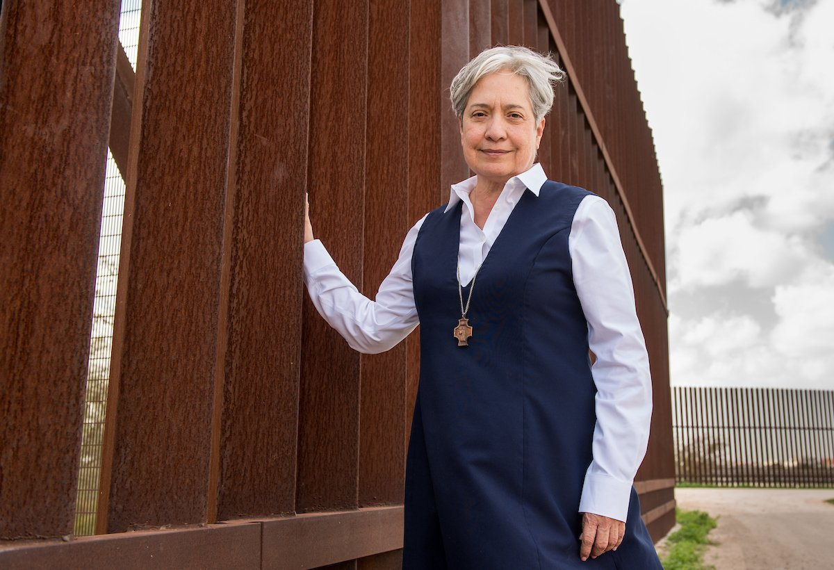 Sr. Norma Pimentel, M.J., is receiving the Laetare Medal today: https://t.co/w56t9Y0xx3 https://t.co/S8safyURWm