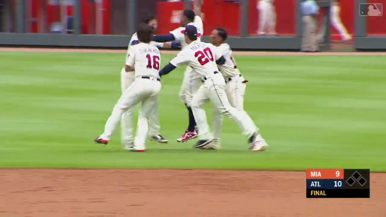 The @Braves were down 9-4 entering the 9th.   What a comeback. #WALKOFF https://t.co/RYBlFENnKx