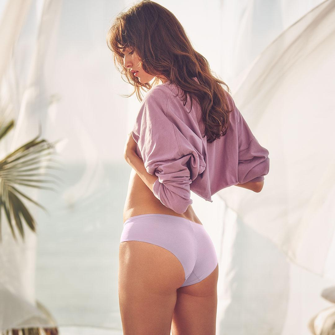 Purple is having a moment—get in on it. #XOVictoria https://t.co/BWAE0PRUg2 https://t.co/CEzmHxlPac